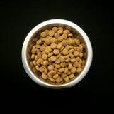 Ένα κύπελλο των τροφίμων σκυλιών Στοκ Εικόνα