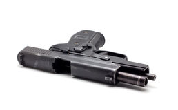 Ένα μαύρο πιστόλι στο λευκό Στοκ φωτογραφίες με δικαίωμα ελεύθερης χρήσης