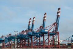 Ένα μεγάλο τερματικό εμπορευματοκιβωτίων σε έναν θαλάσσιο λιμένα Στοκ εικόνες με δικαίωμα ελεύθερης χρήσης