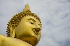 Ένα μεγάλο άγαλμα του Βούδα Στοκ φωτογραφίες με δικαίωμα ελεύθερης χρήσης