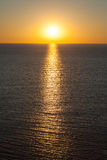 Ένα μεγαλοπρεπές, τέλειο θερμό ηλιοβασίλεμα πέρα από τη Μεσόγειο. Στοκ εικόνες με δικαίωμα ελεύθερης χρήσης