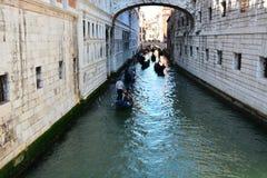 Ένα μικρό κανάλι στη Βενετία Στοκ Εικόνες