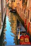 Ένα μικρό κανάλι στη Βενετία Στοκ Φωτογραφία