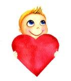 Ένα μικρό χαριτωμένο χαμογελώντας αγόρι που κρατά μια μεγάλη κόκκινη καρδιά στα χέρια του Μωρό φιλανθρωπίας Το παιδί ονειρεύεται  Στοκ φωτογραφία με δικαίωμα ελεύθερης χρήσης