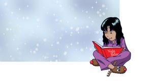 Ένα νέο κορίτσι που διαβάζει τη νύχτα πριν από την ιστορία Χριστουγέννων στοκ εικόνες