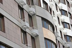 Ένα νέο multi-storey κτήριο Στοκ εικόνες με δικαίωμα ελεύθερης χρήσης