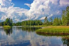Ένα νησί στον ποταμό Καρελία Suna Στοκ Εικόνες