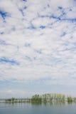 Ένα νησί στον ποταμό Στοκ εικόνα με δικαίωμα ελεύθερης χρήσης