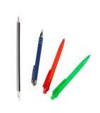 Ένα ξύλινο μολύβι και ballpoint στυλοί στοκ εικόνες με δικαίωμα ελεύθερης χρήσης