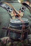 Ένα δοχείο στην πλάτη ενός γερμανικού στρατιώτη Στοκ φωτογραφία με δικαίωμα ελεύθερης χρήσης