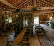 Ένα παλαιό πριονιστήριο Εδώ, όπως τις μηχανές, κινούνται ακόμα από την υδρενέργεια στοκ φωτογραφία με δικαίωμα ελεύθερης χρήσης