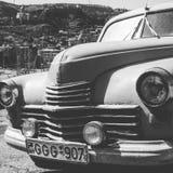Ένα παλαιό σοβιετικό αυτοκίνητο στις οδούς του Tbilisi - της ΓΕΩΡΓΙΑΣ - ομορφιά πρωτευουσών Στοκ εικόνες με δικαίωμα ελεύθερης χρήσης