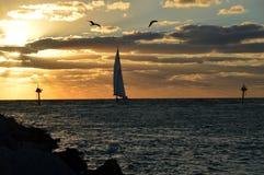 Ένα πανί ηλιοβασιλέματος Στοκ φωτογραφία με δικαίωμα ελεύθερης χρήσης