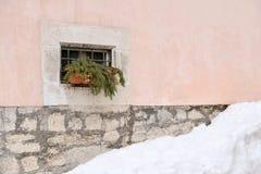 Ένα παράθυρο ενός αρχαίου κτηρίου Στοκ Εικόνες