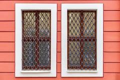 Ένα παράθυρο στο σπίτι κατοικιών Στοκ εικόνες με δικαίωμα ελεύθερης χρήσης