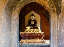 Ένα παλαιό άγαλμα του Βούδα στο ναό σε Bagan, το Μιανμάρ Στοκ Εικόνες