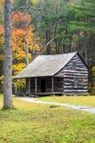 Ένα παλαιό αγροτικό σπίτι στον όρμο Cades στο καπνώές εθνικό πάρκο βουνών Στοκ φωτογραφία με δικαίωμα ελεύθερης χρήσης