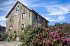 Ένα παλαιό ξύλινο σπίτι στο Rio Grande κάνει τη Sul - τη Βραζιλία Στοκ Φωτογραφίες