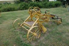 Ένα παλαιό horse-drawn γκρέιντερ Στοκ Εικόνα