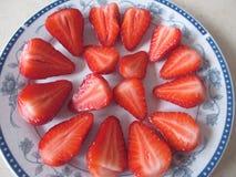 Ένα πιάτο των φραουλών στοκ φωτογραφία