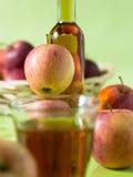 Ένα ποτήρι του χυμού της Apple Στοκ Εικόνες