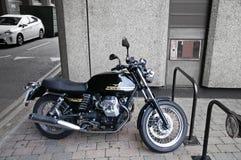 Ένα ποδήλατο μηχανών Guzzi moto Στοκ Εικόνες