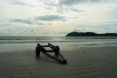 Ένα ρυμουλκό που στέκεται στην παραλία Στοκ φωτογραφία με δικαίωμα ελεύθερης χρήσης