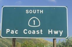 Ένα σημάδι για την εθνική οδό Pacific Coast σε Καλιφόρνια Στοκ εικόνες με δικαίωμα ελεύθερης χρήσης