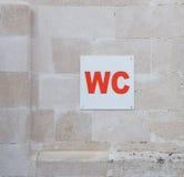 Ένα σημάδι WC στο πάρκο Στοκ Εικόνες
