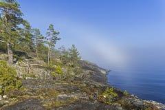 Ένα σπάνιο καιρικό φαινόμενο - ένα σύννεφο στην επιφάνεια μιας λίμνης επάνω Στοκ εικόνες με δικαίωμα ελεύθερης χρήσης
