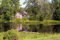 Ένα σπίτι στην πλευρά Στοκ εικόνες με δικαίωμα ελεύθερης χρήσης