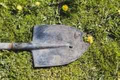 Ένα σπασμένο φτυάρι Στοκ Φωτογραφίες