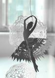 Ένα στοιχείο διακοσμήσεων Χριστουγέννων - ένας χορευτής μπαλέτου εγγράφου Στοκ Φωτογραφίες