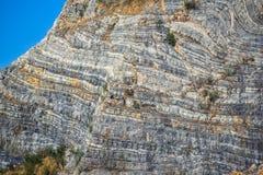 Ένα στρώμα των δύσκολων βουνών Στοκ Φωτογραφία