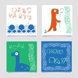 Ένα σύνολο γράφοντας καρτών τυπωμένων υλών του Dino προτύπων Δεινόσαυρος με ένα μπαλόνι Στο ύφος doodle Συρμένη χέρι αφίσα για τα απεικόνιση αποθεμάτων