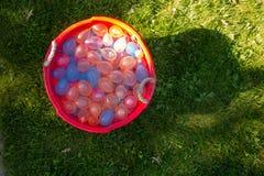 Ένα σύνολο σκαφών των μπαλονιών νερού έτοιμων για τη θερινή διασκέδαση Στοκ εικόνα με δικαίωμα ελεύθερης χρήσης