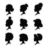 Ένα σύνολο σκιαγραφιών κοριτσιών με τα κλασικά εκλεκτής ποιότητας κουρέματα Στοκ εικόνα με δικαίωμα ελεύθερης χρήσης