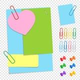Ένα σύνολο χρωματισμένων κολλωδών φύλλων γραφείων των διαφορετικών μορφών, των κουμπιών και των συνδετήρων Μια απλή επίπεδη διανυ ελεύθερη απεικόνιση δικαιώματος