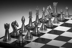 Ένα σύνολο κομματιών σκακιού σε έναν πίνακα σκακιού. Παιχνίδι σκακιού Στοκ Φωτογραφία
