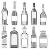 Ένα σύνολο μπουκαλιών γυαλιού με τα διαφορετικά ποτά Στοκ Εικόνα