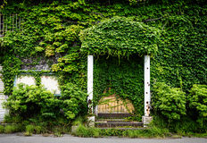 Ένα σύνολο σπιτιών των πράσινων φύλλων Στοκ εικόνα με δικαίωμα ελεύθερης χρήσης