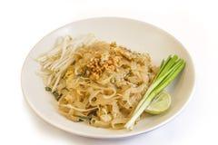 Ένα ταϊλανδικό πιάτο βασισμένο στα νουντλς ρυζιού Στοκ Εικόνες