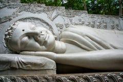 Ένα τεράστιο άγαλμα του ξαπλώνοντας Βούδα Παγόδα Belek Nha Trang Βιετνάμ Στοκ Εικόνες