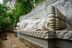 Ένα τεράστιο άγαλμα του ξαπλώνοντας Βούδα Παγόδα Belek Nha Trang Βιετνάμ Στοκ Φωτογραφίες