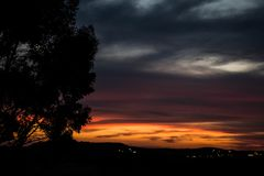 Ένα τρελλό ηλιοβασίλεμα κατά τις απόψεις του Ισραήλ των Άγιων Τόπων Στοκ φωτογραφία με δικαίωμα ελεύθερης χρήσης