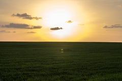 Ένα τρελλό ηλιοβασίλεμα κατά τις απόψεις του Ισραήλ των Άγιων Τόπων Στοκ Εικόνες