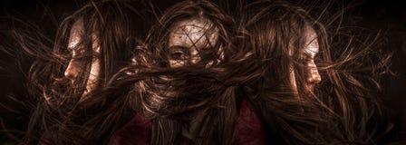 Ένα τρυφερό πορτρέτο ενός ονειροπόλου κοριτσιού με τα μάτια έκλεισε, τέλειο SK Στοκ Εικόνες