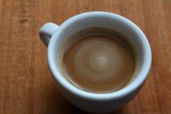 Ένα φλιτζάνι του καφέ Στιγμιαίος καφές Μακροεντολή στοκ φωτογραφίες