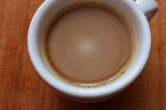 Ένα φλιτζάνι του καφέ Στιγμιαίος καφές Μακροεντολή στοκ φωτογραφία με δικαίωμα ελεύθερης χρήσης