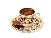 Ένα φλυτζάνι του τουρκικού καφέ που απομονώνεται Στοκ εικόνα με δικαίωμα ελεύθερης χρήσης